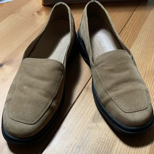 Clarks Springers Womens Suede Tan Loafers
